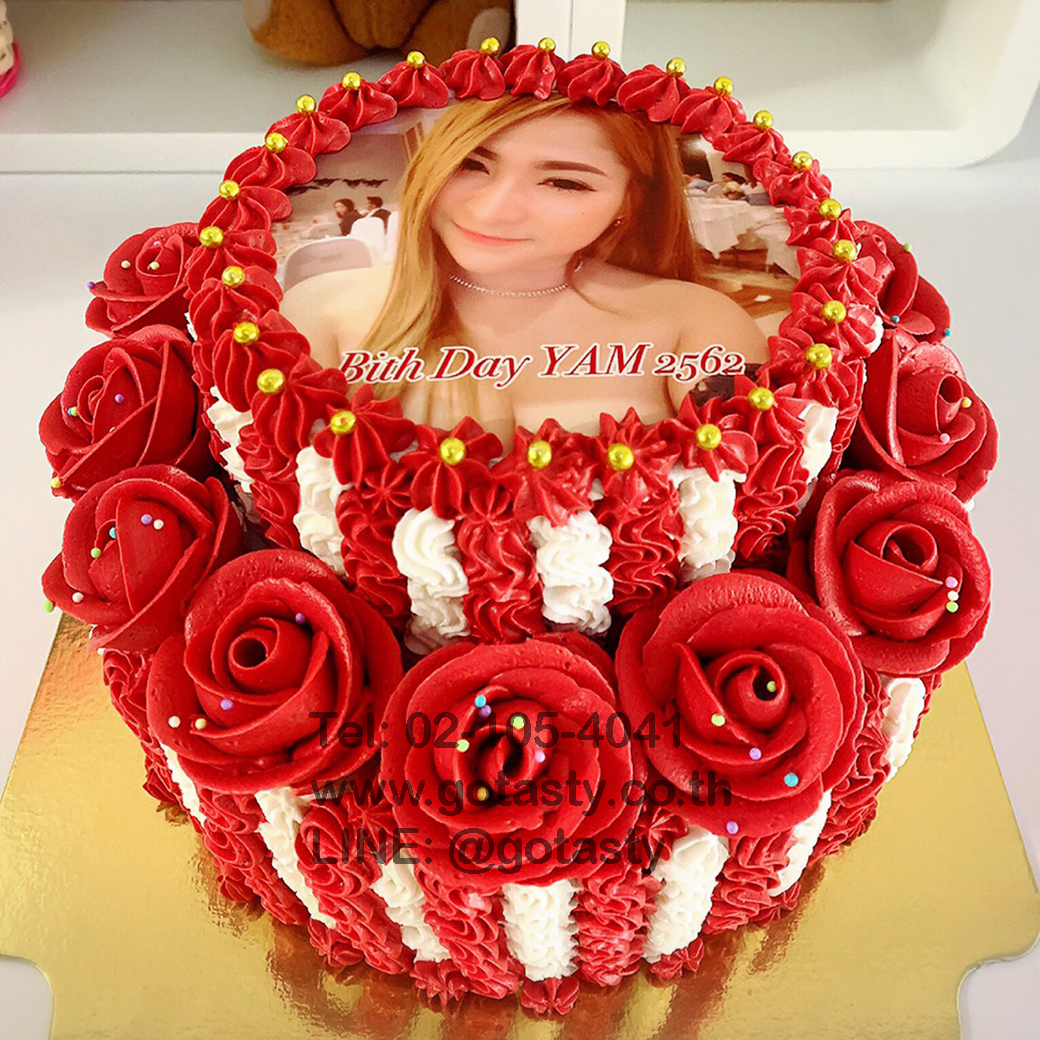 2 layers photo with red rose cake